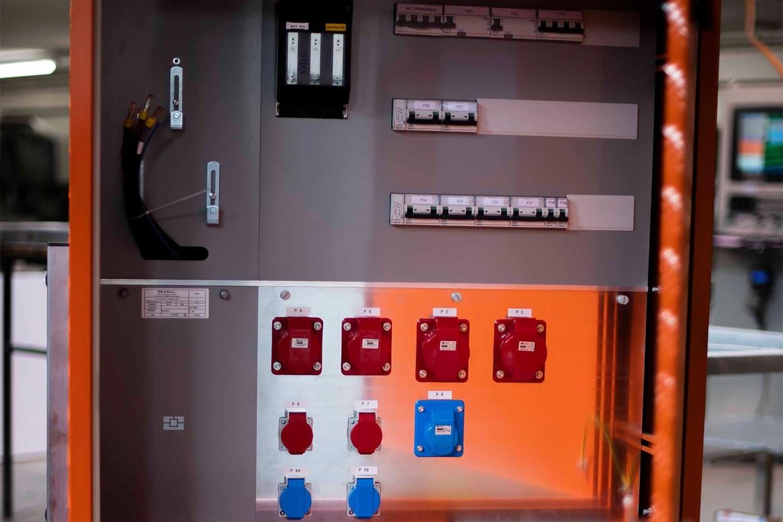 Realizzazione quadri elettrici   Sala-Alu